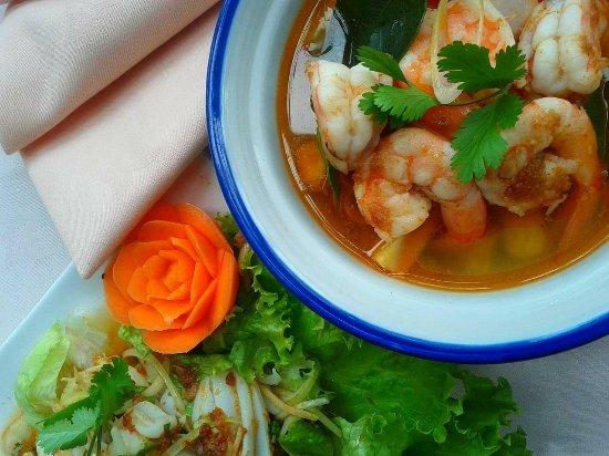 Nouveau Village Tao-Tao : Une succulente soupe thaï, à la citronnelle ;)