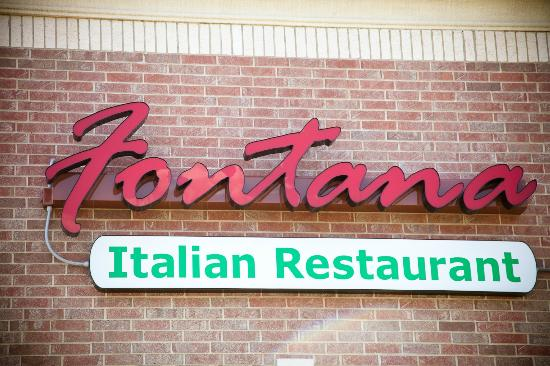 Fontana Italian Restaurant: outside