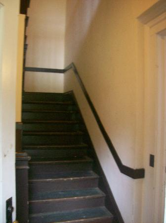 The Scott and Zelda Fitzgerald Museum: Stairs to upper apartments