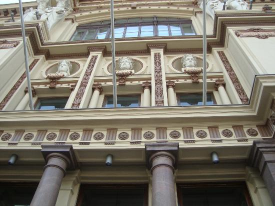Musée Ateneum (Konstmuseet Ateneum) : Detalle de la fachada del Ateneum