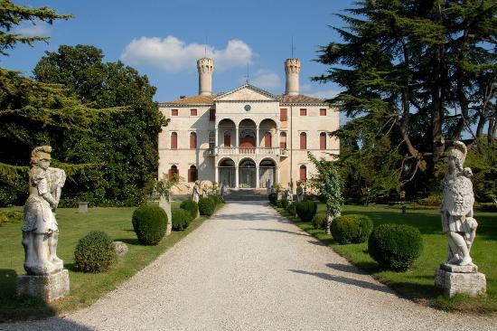 Castello di Roncade: L'edificio principale