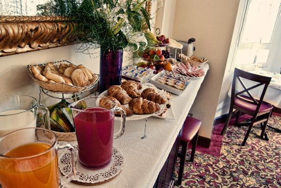 Beau Site - Antica Residenza: Continental Buffet Breakfast