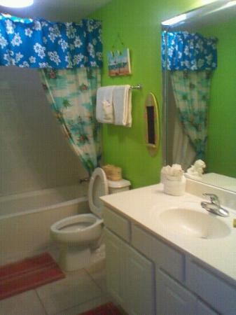 Sunrise Beach Resort: Kid's bathroom