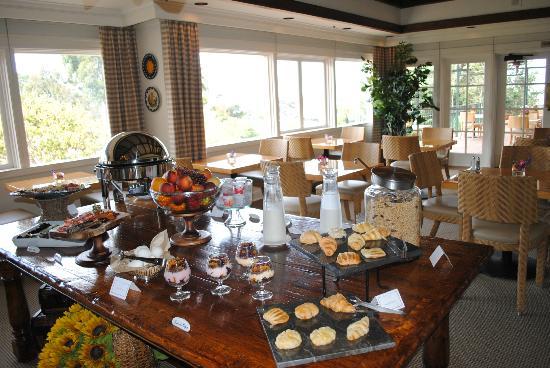 La Playa Carmel: Breakfast buffet