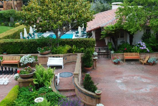 La Playa Carmel: Courtyard