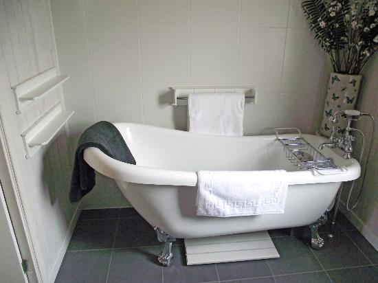 Mercia Marina Lodges: Willow Bathroom