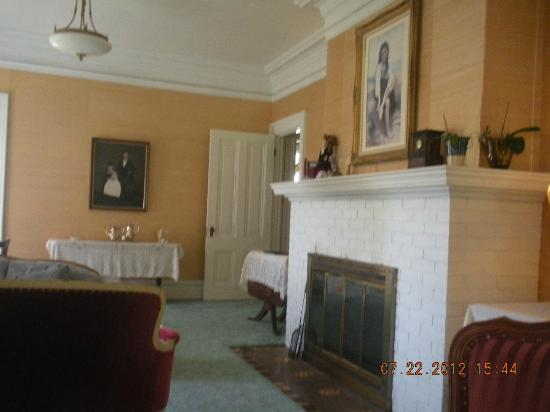 Benjamin Young Inn: great room