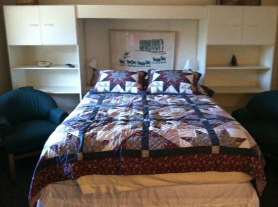 The Phoenix at Steamboat: Bed