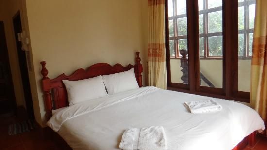 Popular View Guesthouse: the super comfy bed