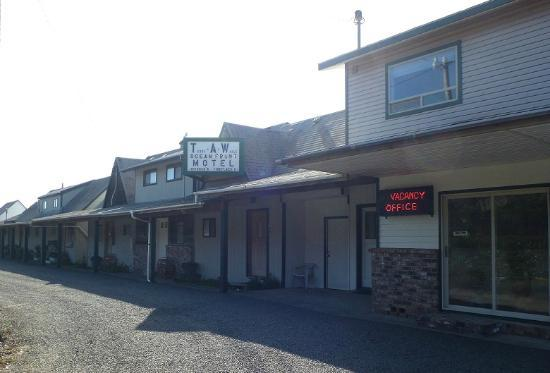 Terry-A-While: Front of motel