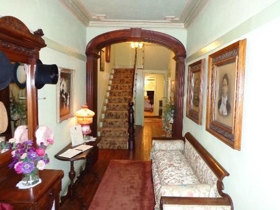 Mariner King Inn: Treppenhaus
