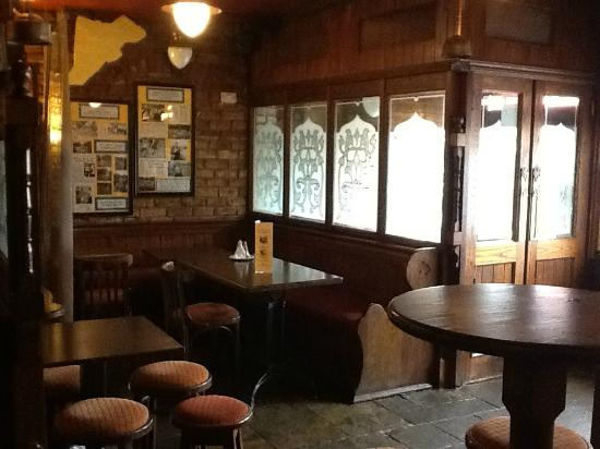 Horseshoe & Saddlers: Traditional pub Food Served All day