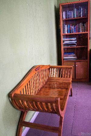 Serai Inn: Reading area