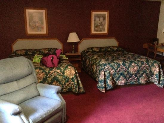 Flagship Inn: Queen beds