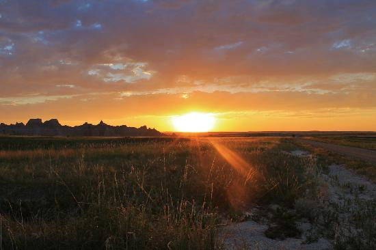 Loop Road: sunset in the badlands