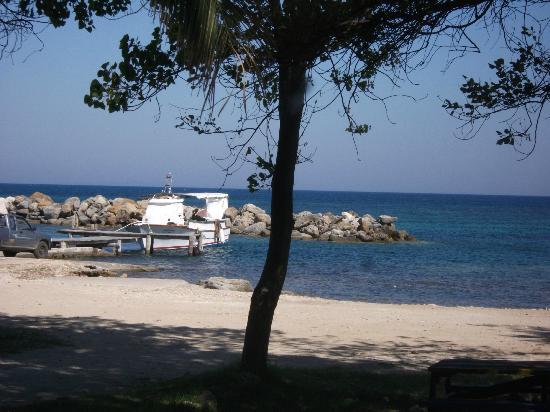 Katelios Studios: seafront