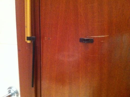 Rosamar & Spa: bathroom door