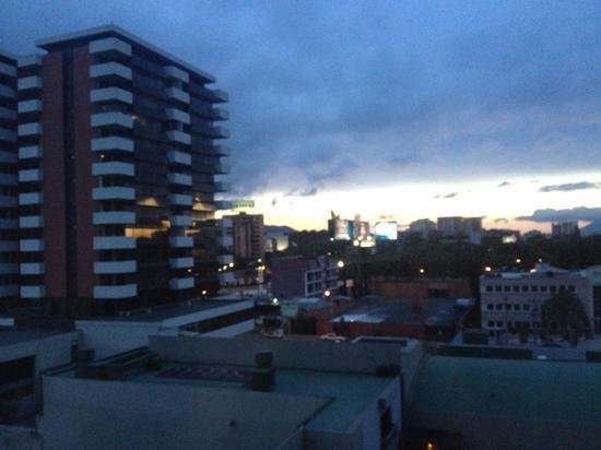 Barcelo Guatemala City: sunset from my room's window