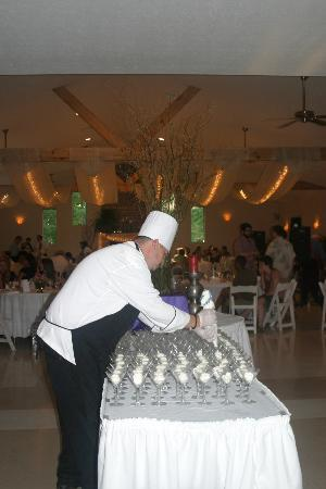 Hocking Hills Resort: Grouse Nest Restaurant at the resort caters weddings and other functions.