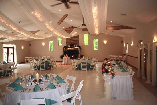 Hocking Hills Resort: Our reception hall can accomodate 200 guests for wedding receptions and other functions.