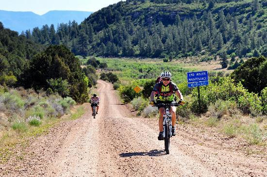 San Juan Hut Systems : Sierra climbing into Utah