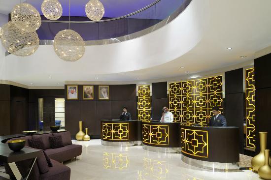 Courtyard by Marriott Riyadh Diplomatic Quarter: Front Desk