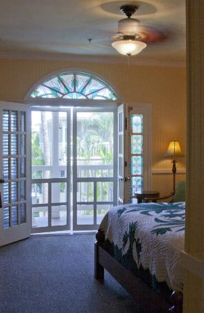 The Plantation Inn: Room 16.  Upstairs lanai room with king bed.
