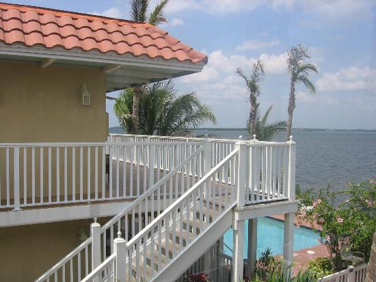 Tortuga Beach Resort: Upstairs balcony at bayside villa north