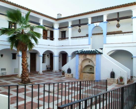 Hacienda Minerva: La Plaza de Abajo