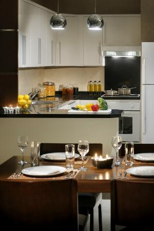 Marriott Executive Apartments Riyadh, Makarim: Dining Area