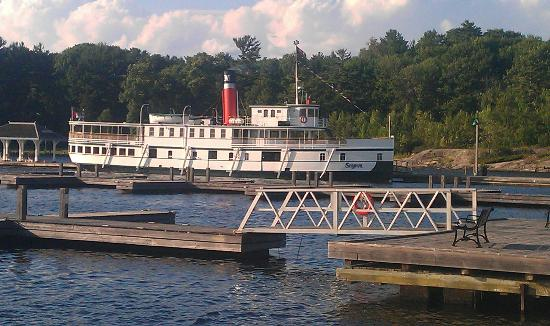 Blaincroft Bed & Breakfast: Steamboat lunch cruise