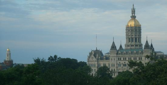 Holiday Inn Express Hartford-Downtown: View of capitol from our room