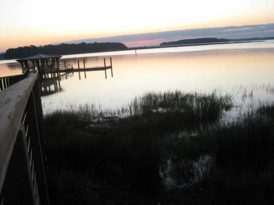Montage Palmetto Bluff : Sunrise on the dock