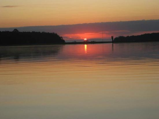 Montage Palmetto Bluff : Sunrise from the dock at Palmetto Bluff