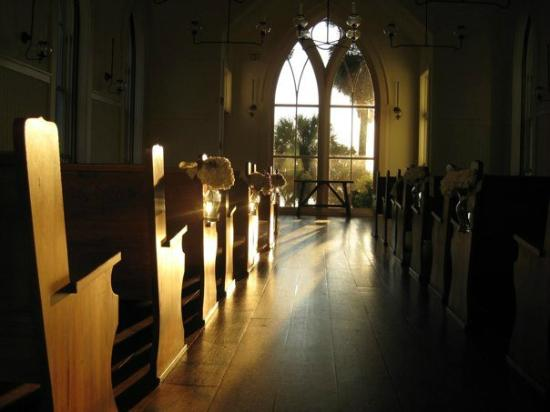 Montage Palmetto Bluff: Inside the Chapel at sunrise