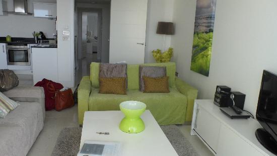 Rocklands Apartments: living room