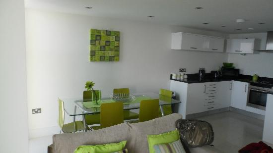 Rocklands Apartments: kitchen/ dining area