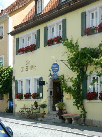 Hotel Gerberhaus: Front view of hotel
