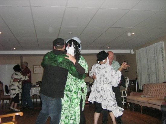 Woody Island, Canada: Dancing with the Mummurs!