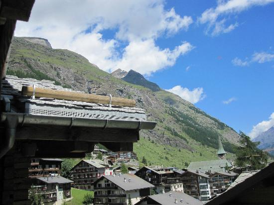 Hotel Firefly: The view from our suite, a wonderful view of Zermatt and the Mountains in the background