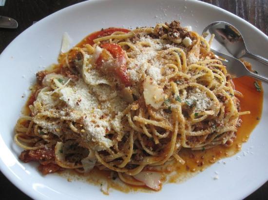 Ciro's Italian Restaurant: Linguine Bolognese