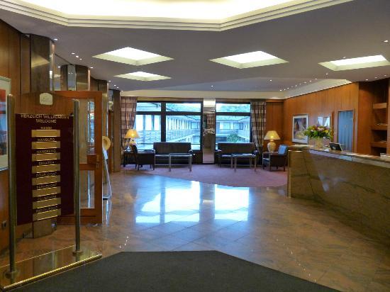 Lobby rezeption bild von best western hotel hamburg for Hotel international hamburg