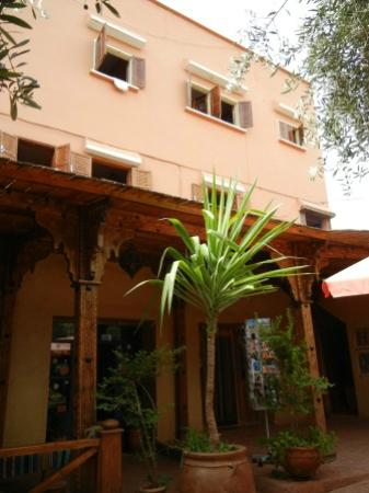 Hotel Chellal d'Ouzoud : from the main street