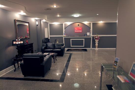 Econo Lodge : Hotel Lobby
