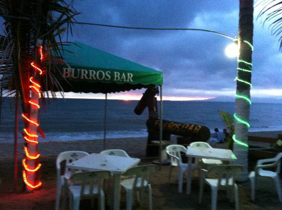 BURROS BAR & RESTAURANT: Cloudy sunset!!!