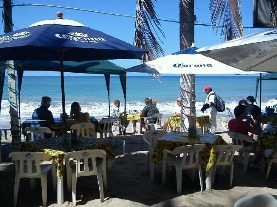 Burro's Bar: Burros Beach Bar
