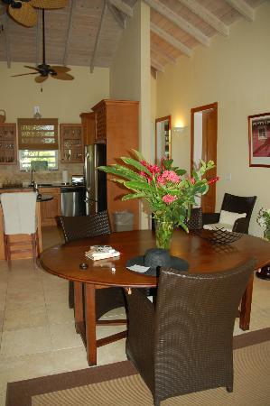 Meads Bay Beach Villas : Living/Dining