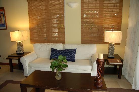 Meads Bay Beach Villas : living room