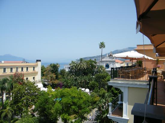 Grand Hotel La Favorita: view to the right over the rooftops