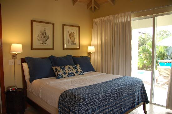 Meads Bay Beach Villas : bedroom